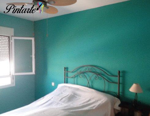 Dormitorio pintado y decorado con dos colores en Yuncos (Toledo)