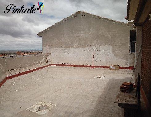 Terraza preparada para la aplicación del caucho en Bargas (Toledo)